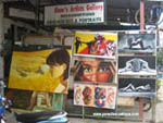 art store in Pattaya with paintings