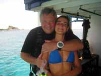 happy couple diving in Pattaya