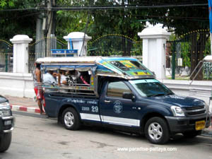 getting around in a baht bus