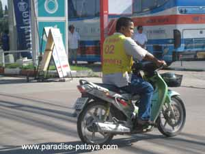 getting around pattaya in a motorbike taxi