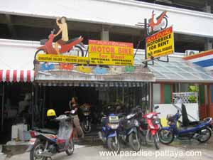 getting around pattaya in a motorbike