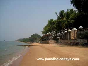 Mum Aroi Sri Racha beach view