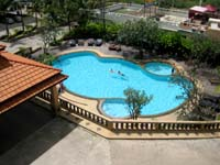 pattaya condos with pool