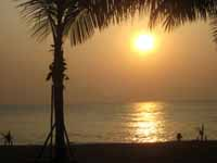 retire in thailand to beautiful sunsets