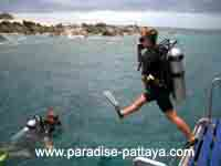 open water jump for scuba diving in Pattaya