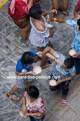 sonkran festival in pattaya