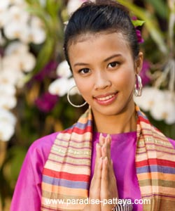 thailand culture girl wai