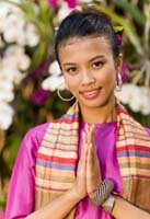 thai girl wai welcome